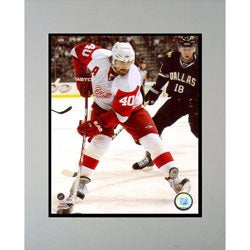 Zetterberg Detroit Red Wings #40 Photograph 11x14 Matted Photograph Frame