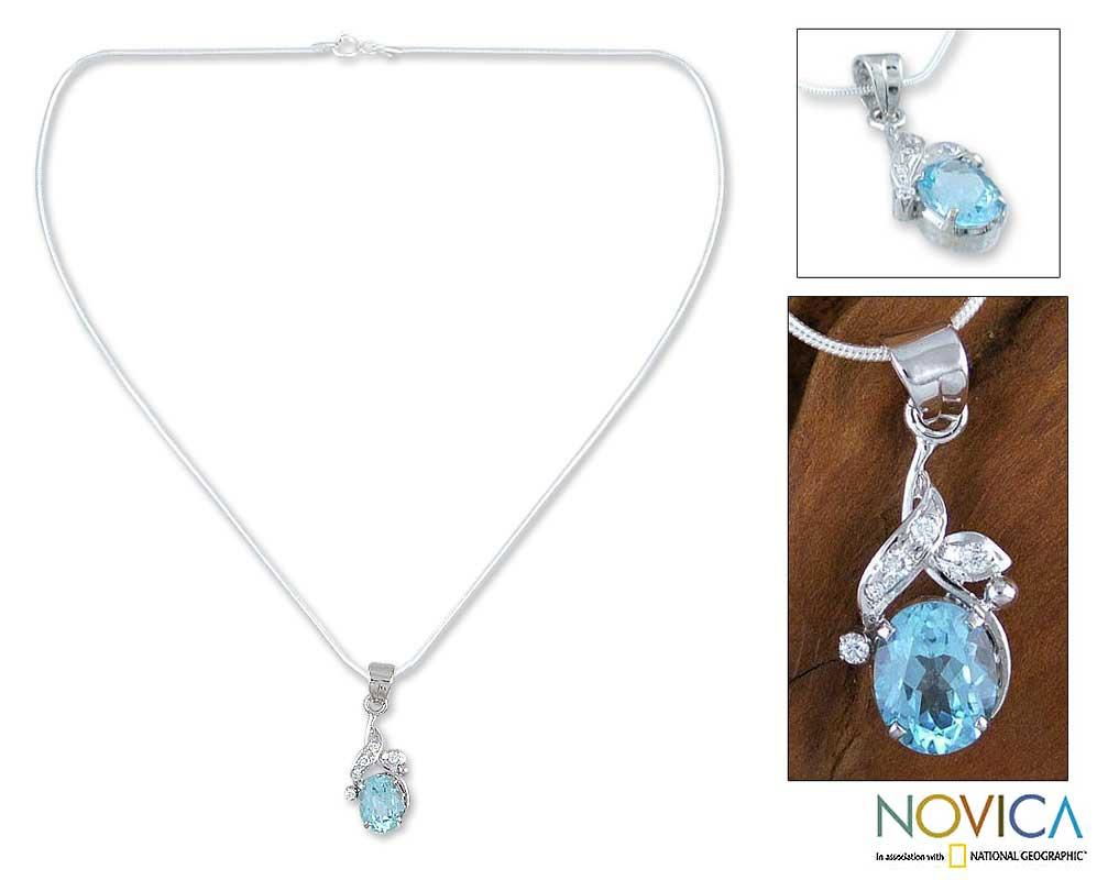 Handmade Sterling Silver 'Dazzling Dew' Blue Topaz Necklace (India)