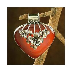 Handmade Sterling Silver 'Incandescent Tulips' Carnelian Pendant (India)