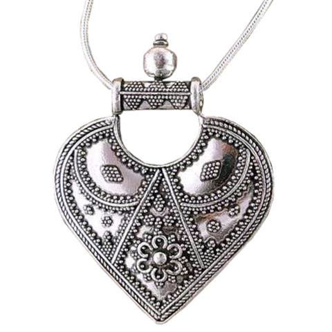 """Handmade Sterling Silver Mighty Heart Foxtail Pendant Necklace (India) - 7'6"""" x 9'6"""""""