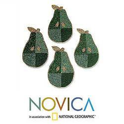 Handmade Set of 4 'Mint Pear' Beaded Coasters (India) - Thumbnail 1