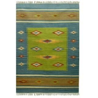 Handmade Indo 'Diamond Star' Wool Rug (India) - 4' x 6'