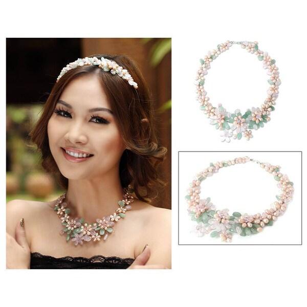 """Handmade Pearl 'Spring Garland' Multi-gemstone Flower Necklace (Thailand) - 1.6"""" x 18.5"""""""