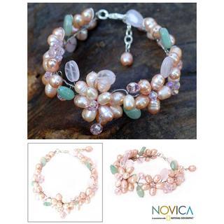 Handmade Pearl 'Spring Garland' Gemstone Flower Bracelet (5-5.5 mm) (Thailand)