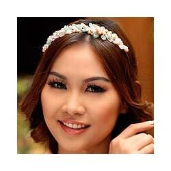 Handmade Pearl 'Spring Garland' Flower Headband (5-5.5 mm) (Thailand)