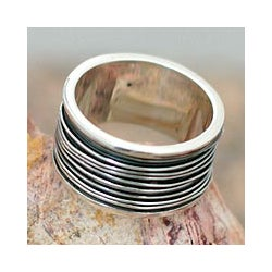 Handmade Men's Sterling Silver 'Mezcala River' Band Ring (Mexico)