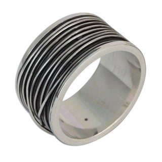Handmade Men's Sterling Silver 'Mezcala River' Band Ring (Mexico)
