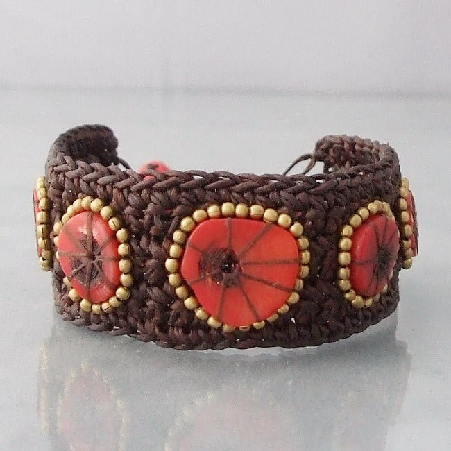 Handmade Cotton Rope Sliced Coral Brass Bead Bracelet (Thailand)