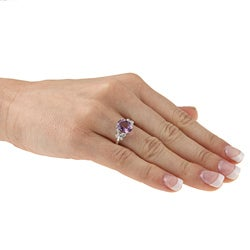Viducci 10k White Gold Amethyst and 1/10ct TDW Diamond Ring (G-H, I1-I2)