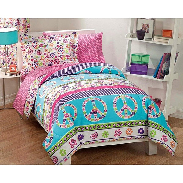 Peace and Love Plain Weave Printed Full Size 7-piece Bed in a Bag with Sheet Set