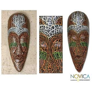 Handmade Albesia Wood 'Exotic Emerald' Mask (Indonesia)