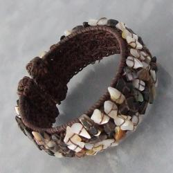 Handmade Cotton Rope Earth-tone Mother of Pearl Shell Cuff (Thailand)