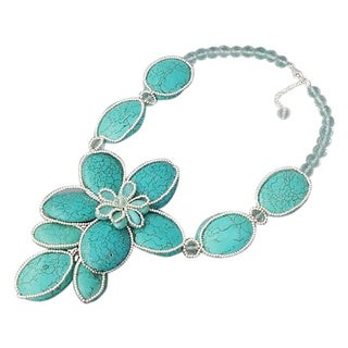Handmade Silver Turquoise Floral Attention Necklace (Thailand)