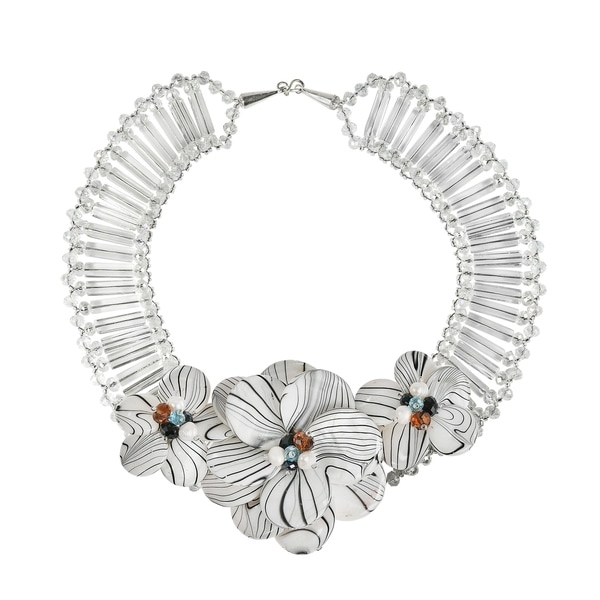 Handmade Silvertone Mother of Pearl Pearl Floral Necklace (Thailand)