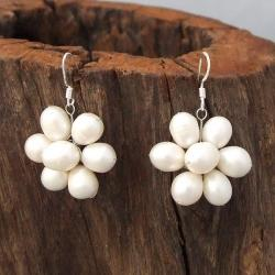Handmade Sterling Silver Freshwater Pearl Flower Earrings (6-7 mm) (Thailand)