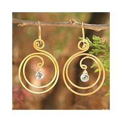 Handmade 24k Goldplated 'Sun Dew' Blue Topaz Dangle Earrings (Thailand)