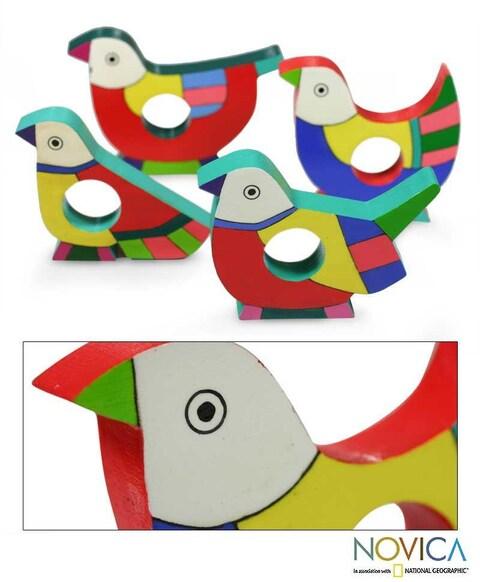 Handmade Set of 4 Pinewood 'Tropical Birds' Napkin Rings (El Salvador)