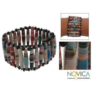 Handmade Recycled Paper 'Novelty' Stretch Bracelet (Brazil)