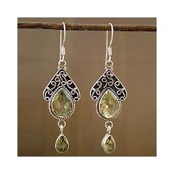 Handmade Sterling Silver 'Queen of Jaipur' Dangle Earrings (India)