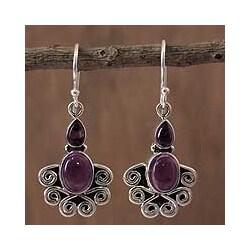 Handmade Sterling Silver 'Dream of India' Amethyst Dangle Earrings (India)