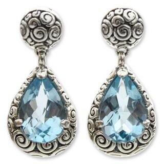 Handmade Sterling Silver 'Azure Teardrops' Blue Topaz Earrings (Indonesia)