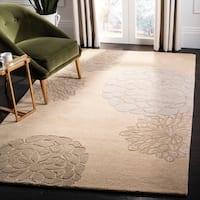 Safavieh Handmade Soho Bontanical Beige New Zealand Wool Rug - 5' x 8'