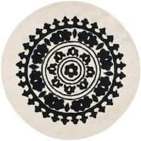 Safavieh Handmade Soho Chrono Ivory/ Black New Zealand Wool Rug (6' Round) - 6' Round