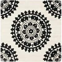 Safavieh Handmade Soho Chrono Ivory/ Black N. Z. Wool Rug - 6'
