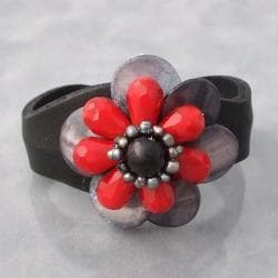 Leather Mother of Pearl/ Onyx/ Pearl Floral Cuff (4-6 mm) (Thailand)