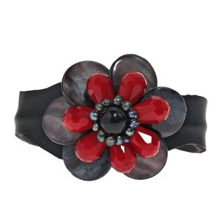 Handmade Leather Mother of Pearl/ Onyx/ Pearl Floral Cuff (4-6 mm) (Thailand)
