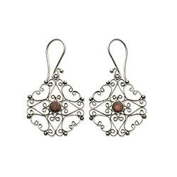 Handmade Sterling Silver 'Scintillating' Garnet Earrings (Indonesia)