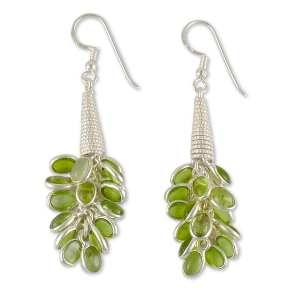 Handmade Sterling Silver 'Lemon Bouquet' Peridot Cluster Earrings (India)