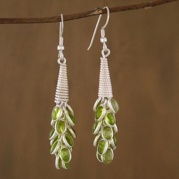 Sterling Silver 'Lemon Bouquet' Peridot Cluster Earrings (India)