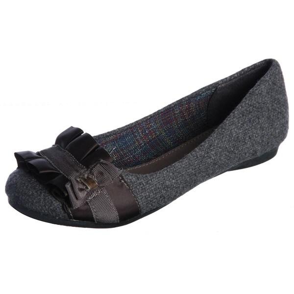 Fergalicious Women's 'Alana' Grey Wool Flats