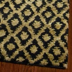 Safavieh Hand-knotted Vegetable Dye Black/ Gold Rug (9' x 12') - Thumbnail 1