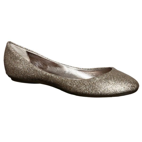 a8d5fed3eec Shop Steve Madden Women's 'P-Heaven' Gold Glitter Ballet Flats ...