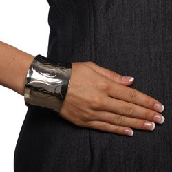 Thumbnail 3, Mondevio High-polish Stainless Steel Engraved-design Wide Cuff Bracelet. Changes active main hero.