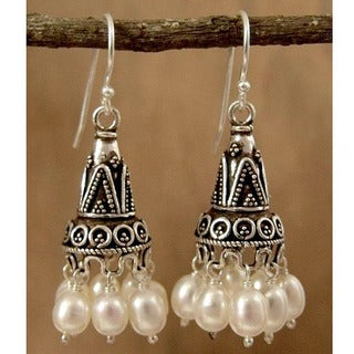 Sterling Silver 'Indian Ivory' Pearl Earrings (5.5-6 mm) (India)