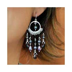 Sterling Silver 'Black Ruffle' Pearl Onyx Earrings (4-6 mm) (Thailand)