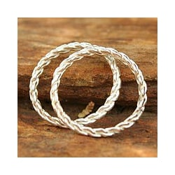 Handmade Set of 2 Sterling Silver 'Shining Braid' Stacking Rings (Thailand)