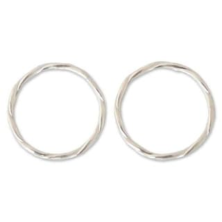 Handmade Set of 2 Sterling Silver 'Relaxing Touch' Stacking Rings (Thailand)