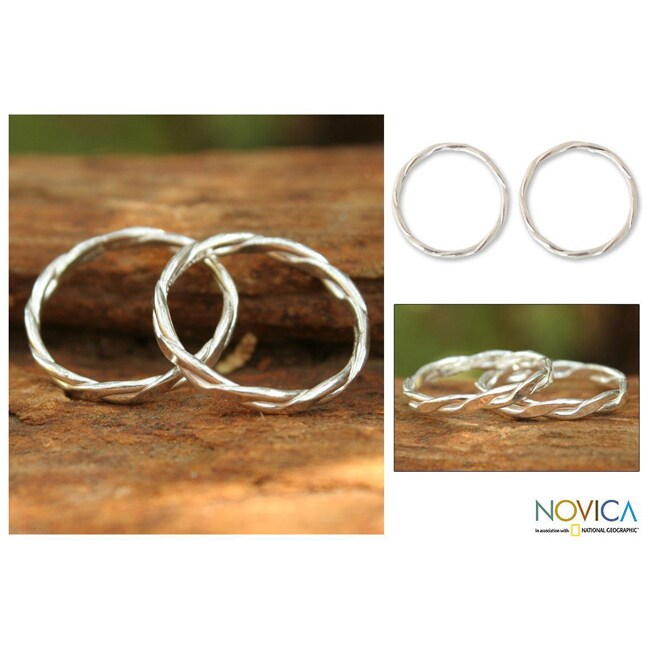 Set of 2 Sterling Silver 'Relaxing Touch' Stacking Rings (Thailand)