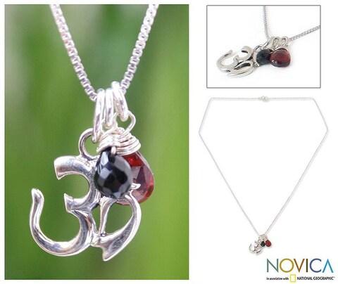 Handmade 'Spirit Voice' Garnet Onyx Necklace (Thailand)
