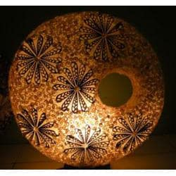 Resin and Sea Shell 1-light White Table Lamp (Indonesia) - Thumbnail 2