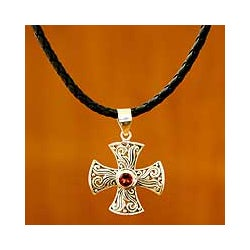 Handmade Men's Silver 'Fire of Faith' Garnet Leather Necklace (Indonesia)
