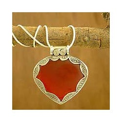 Sterling Silver 'Flamboyant' Carnelian Necklace (India)