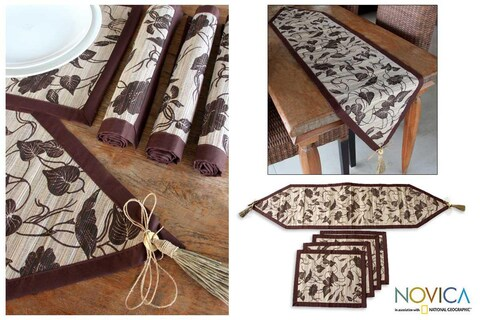 Handmade Set of 4 Natural Fiber 'Bali Flora' Table Runner Placemats (Indonesia)
