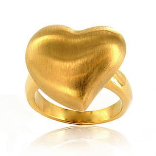 Stainless Steel Goldtone Brushed Heart Ring|https://ak1.ostkcdn.com/images/products/6053835/Stainless-Steel-Goldtone-Brushed-Heart-Ring-P13730226.jpg?impolicy=medium
