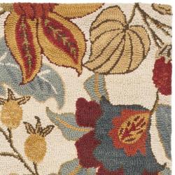 Safavieh Handmade Blossom Ivory Wool Rug (2'3 x 8')