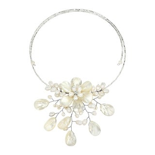 Handmade Pretty White MOP Flower Ray Choker Wrap Necklace (Thailand)